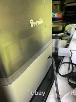 Breville BES870XL Barista Express Espresso Machine withGrinder and MostAccessories